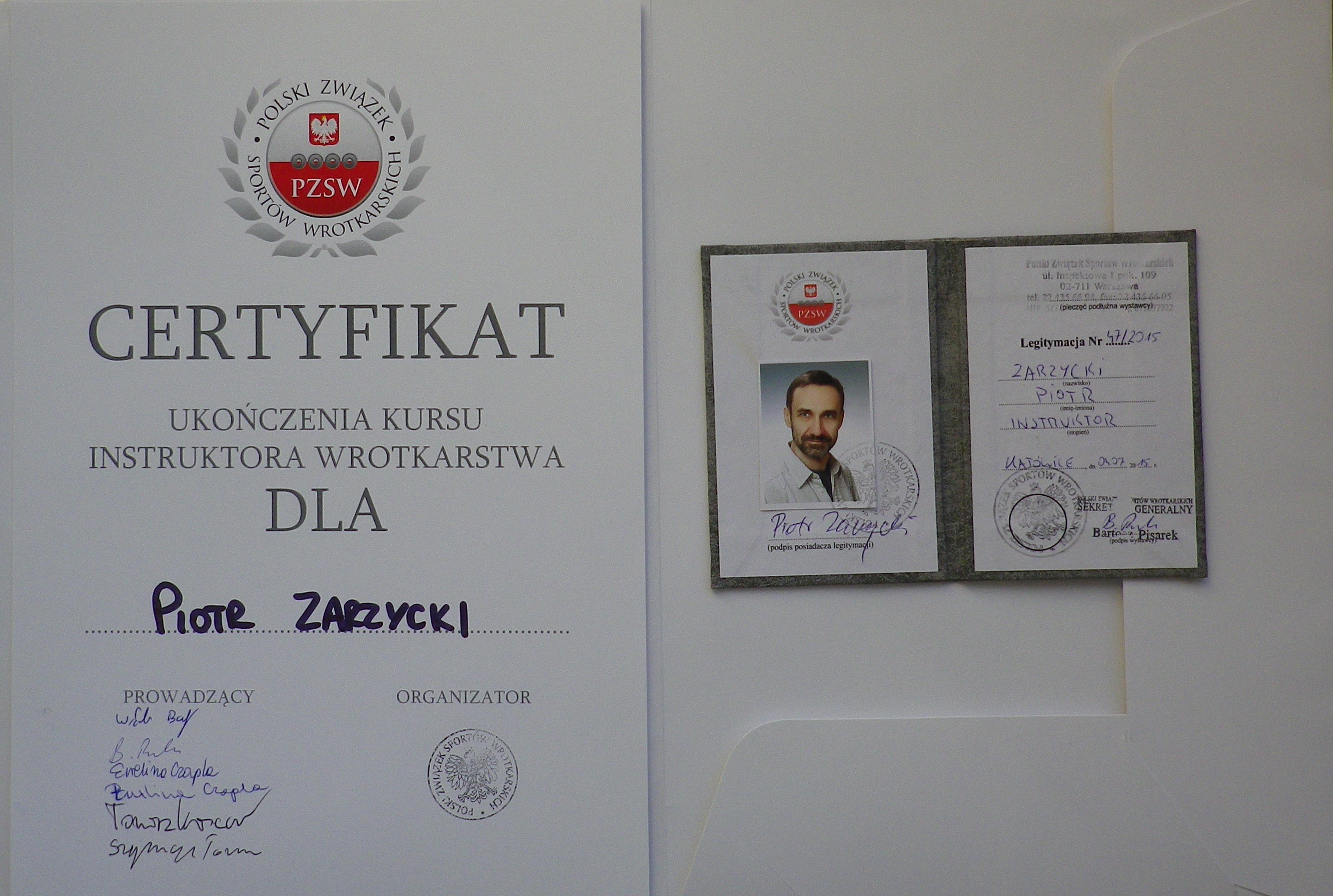 certyfikat i legitymacja